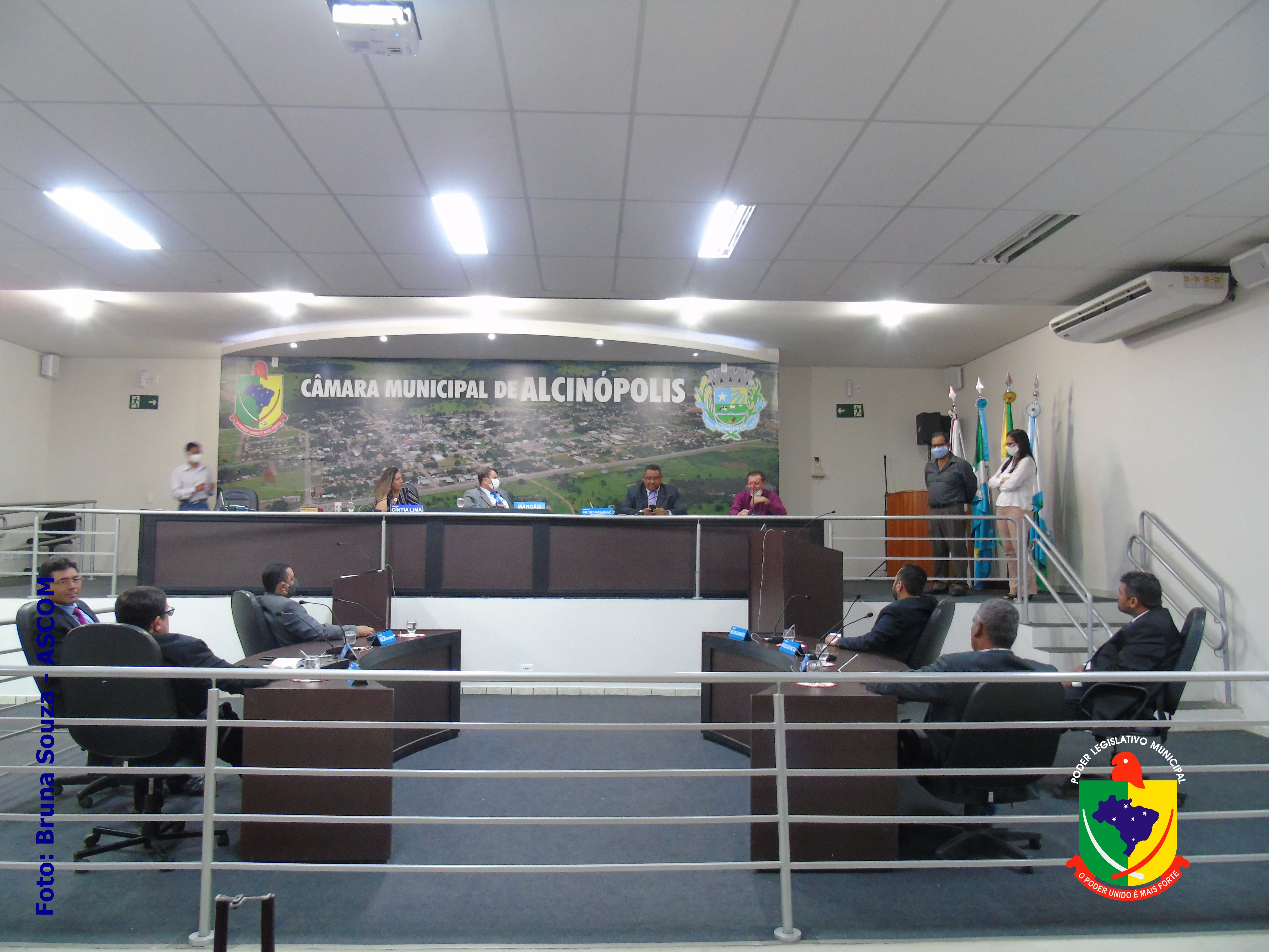 Legislativo e Executivo Municipais reúnem-se para definir estratégias para contenção do Covid-19