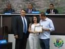Legislativo e Executivo unem-se para entregar homenagear médica cubana