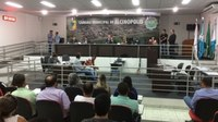 Plenário da Câmara é palco de julgamento histórico em Alcinópolis